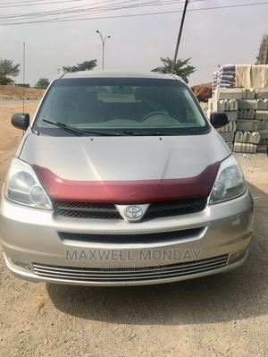 Toyota Sienna 2005 Silver   Cars for sale in Abuja (FCT) State, Gudu