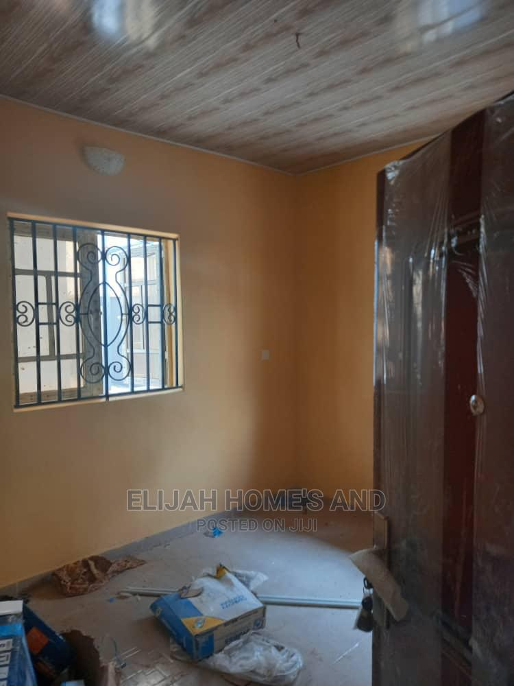 3bedroom Flat | Houses & Apartments For Rent for sale in Oluyole, Oyo State, Nigeria