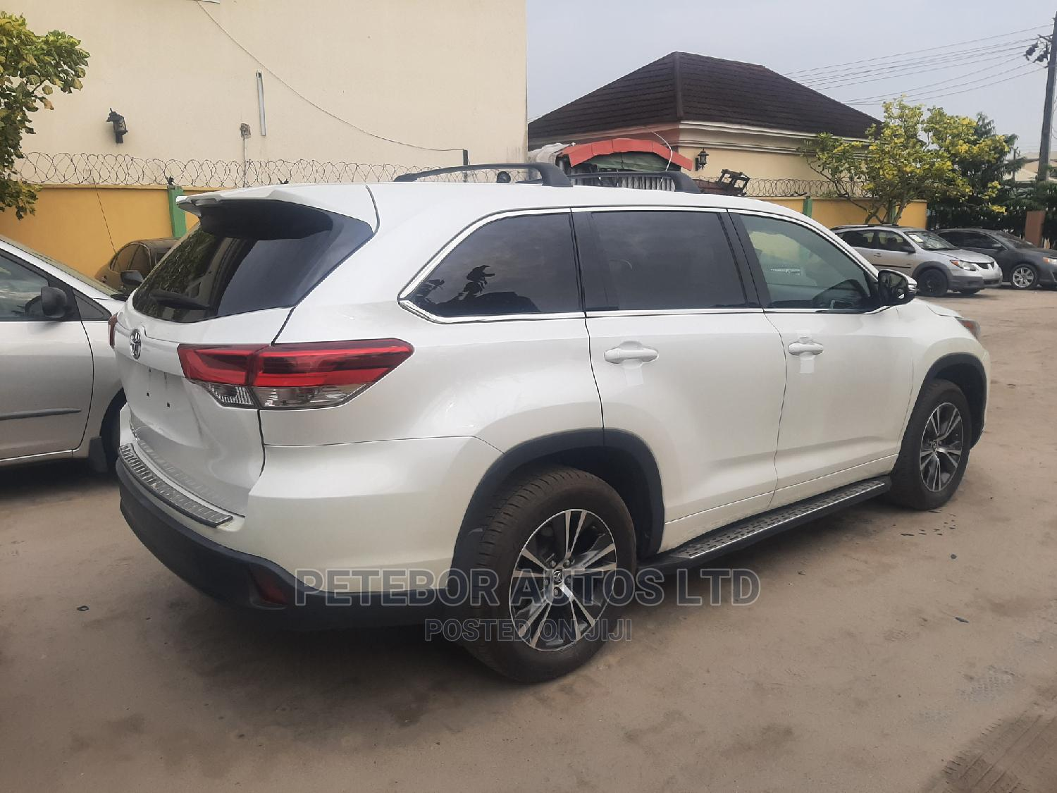 Toyota Highlander 2017 White   Cars for sale in Ajah, Lagos State, Nigeria