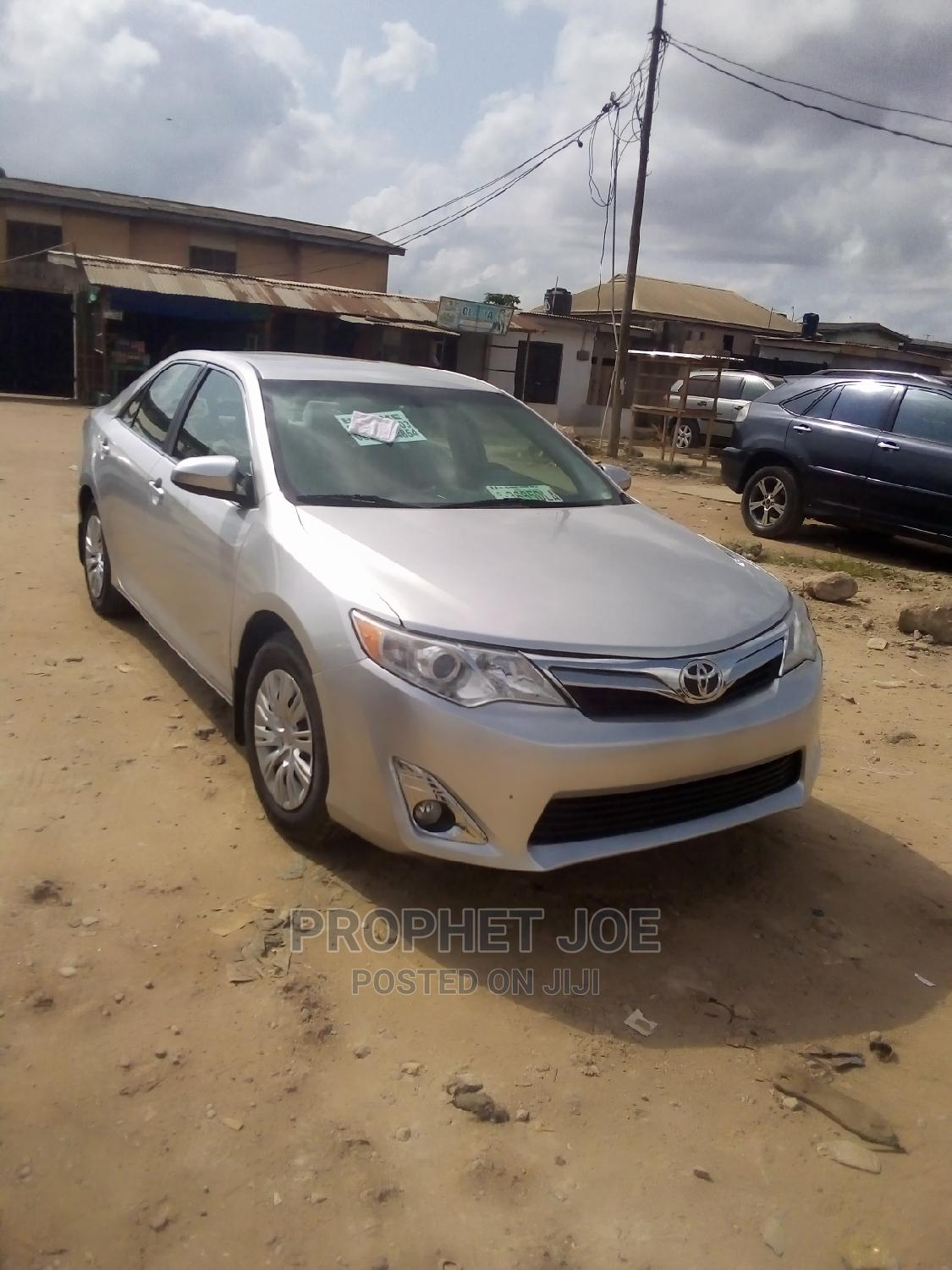 Toyota Camry 2013 Silver | Cars for sale in Ikotun/Igando, Lagos State, Nigeria
