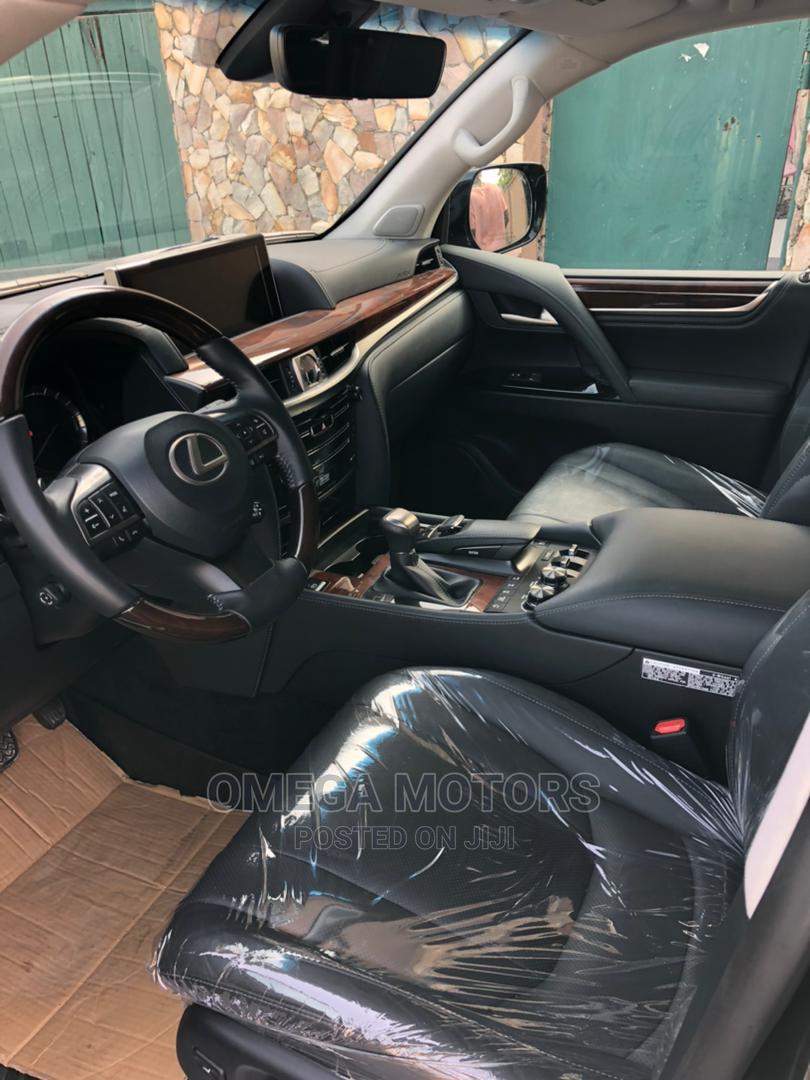 Archive: Lexus LX 2020 Black