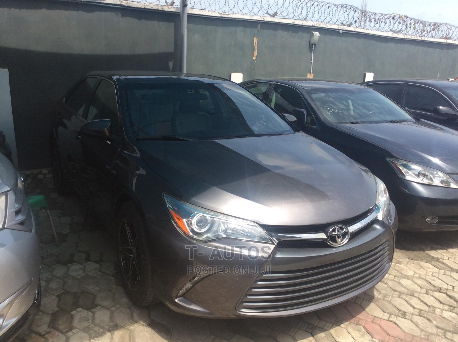 Toyota Camry 2015 Gray | Cars for sale in Amuwo-Odofin, Lagos State, Nigeria