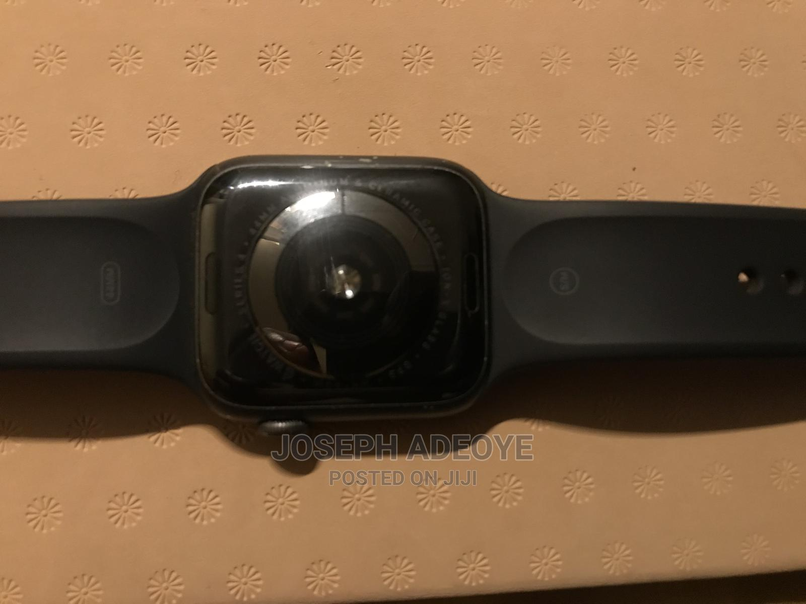 Archive: Apple Watch Series 4 44MM
