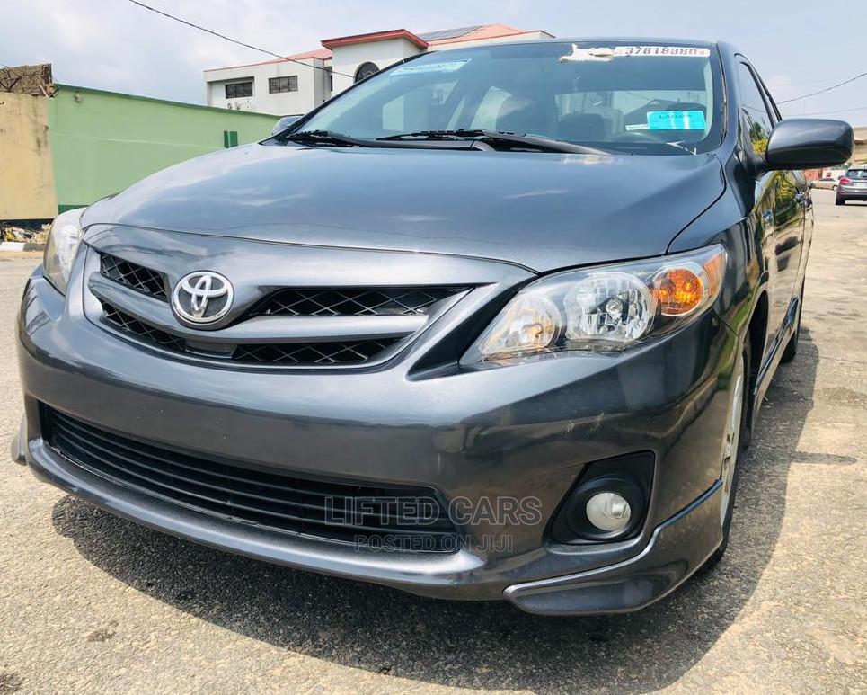 Toyota Corolla 2011 Gray