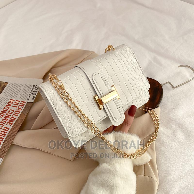 Archive: Classic Fashion Portable Hand Bag