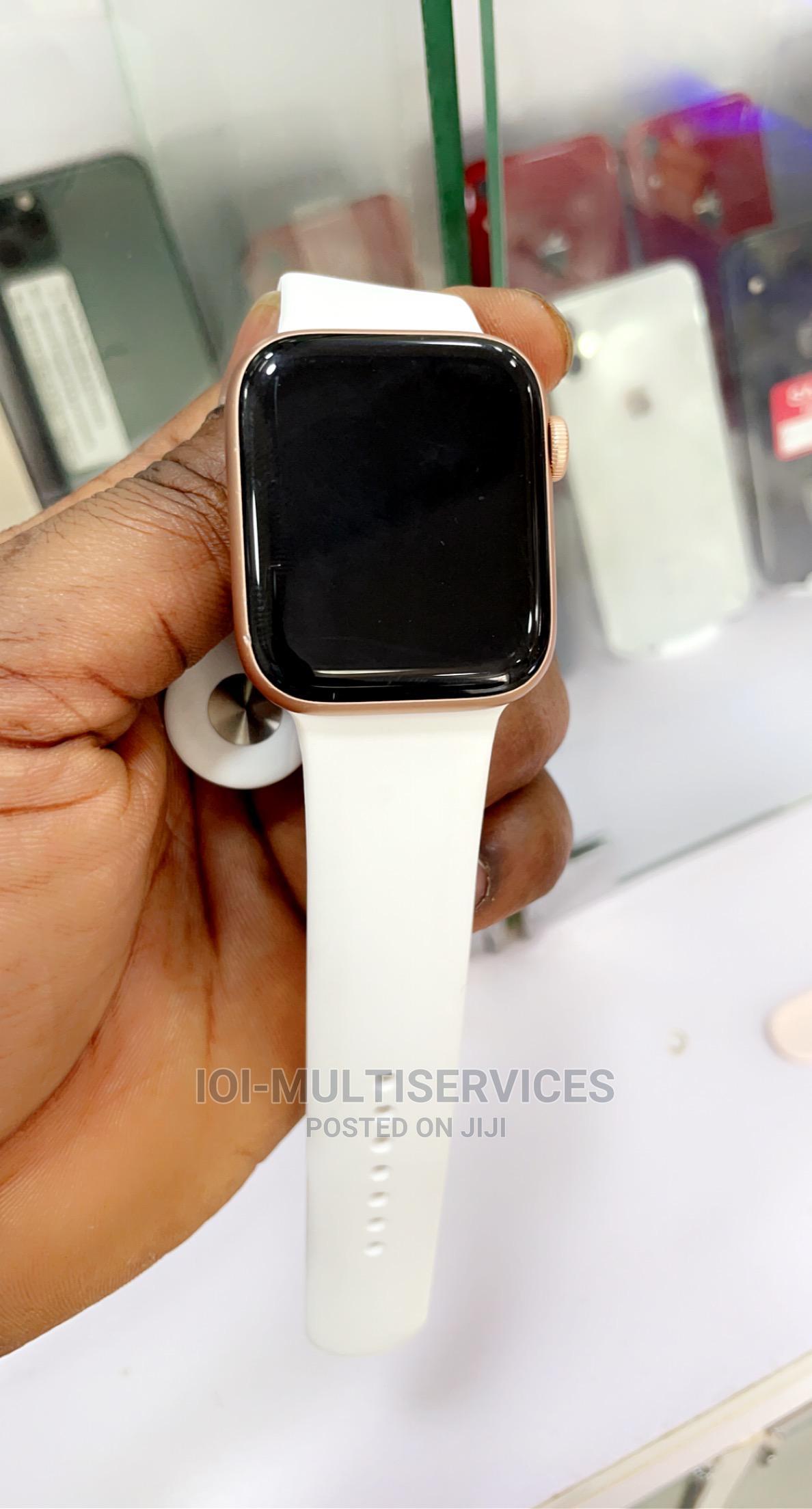 Apple Watch Series 5 44MM GPS LTE