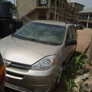 Toyota Sienna 2005 LE AWD Gold | Cars for sale in Oyo State, Ibadan