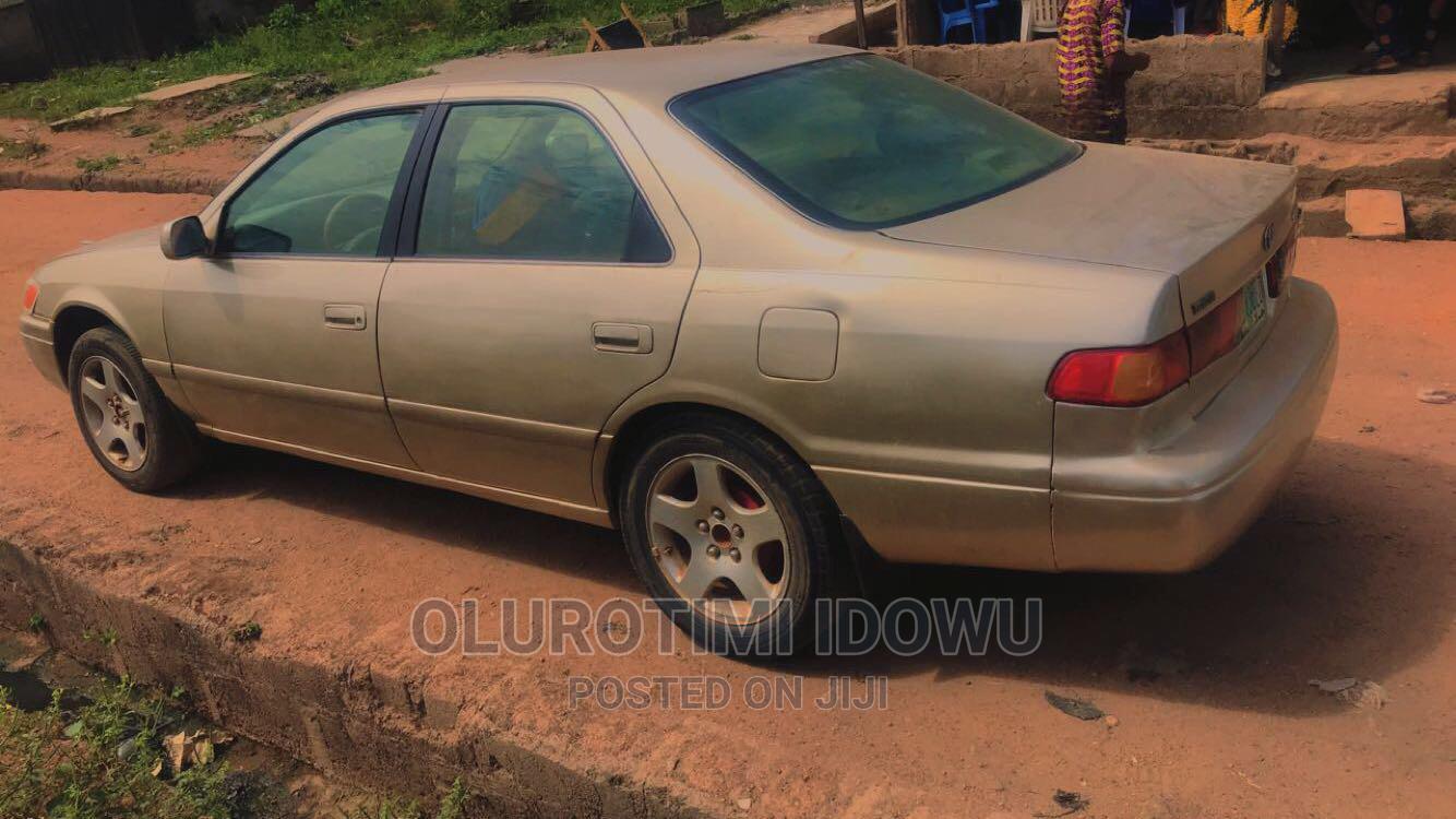 Toyota Camry 2001 Gold | Cars for sale in Olorunda-Osun, Osun State, Nigeria