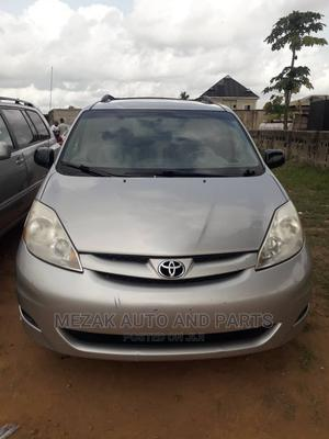 Toyota Sienna 2009 Silver   Cars for sale in Lagos State, Alimosho