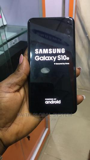Samsung Galaxy S10e 128 GB Gray   Mobile Phones for sale in Lagos State, Ikeja