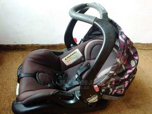 UK Used Baby Car Seat/Carrier 0-2years.   Children's Gear & Safety for sale in Lagos State, Agboyi/Ketu