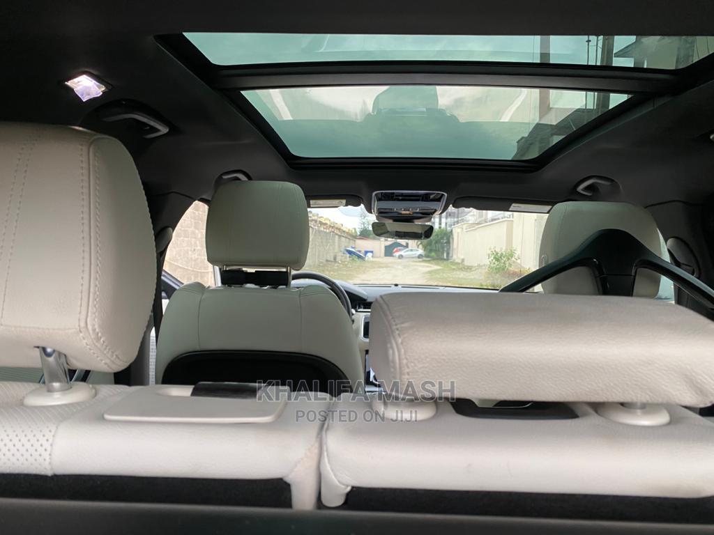 Land Rover Range Rover Velar 2019 P250 SE R-Dynamic 4x4 Gold | Cars for sale in Lekki, Lagos State, Nigeria