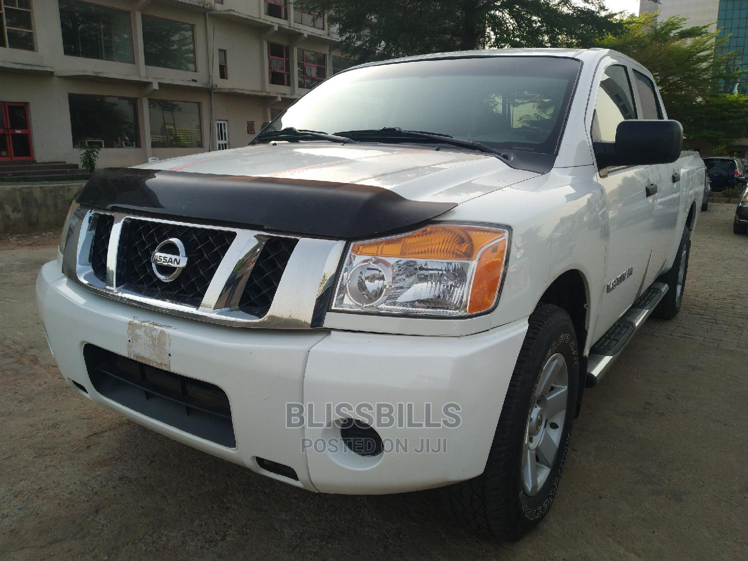 Nissan Frontier 2009 King Cab LE 4x4 White   Cars for sale in Central Business Dis, Abuja (FCT) State, Nigeria