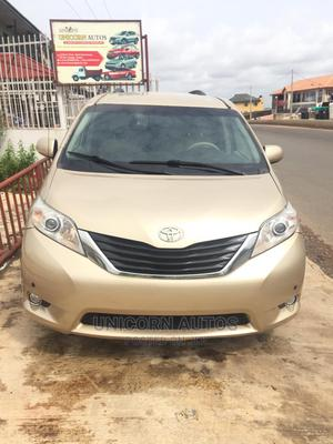 Toyota Sienna 2012 XLE 8 Passenger Gold   Cars for sale in Oyo State, Oluyole