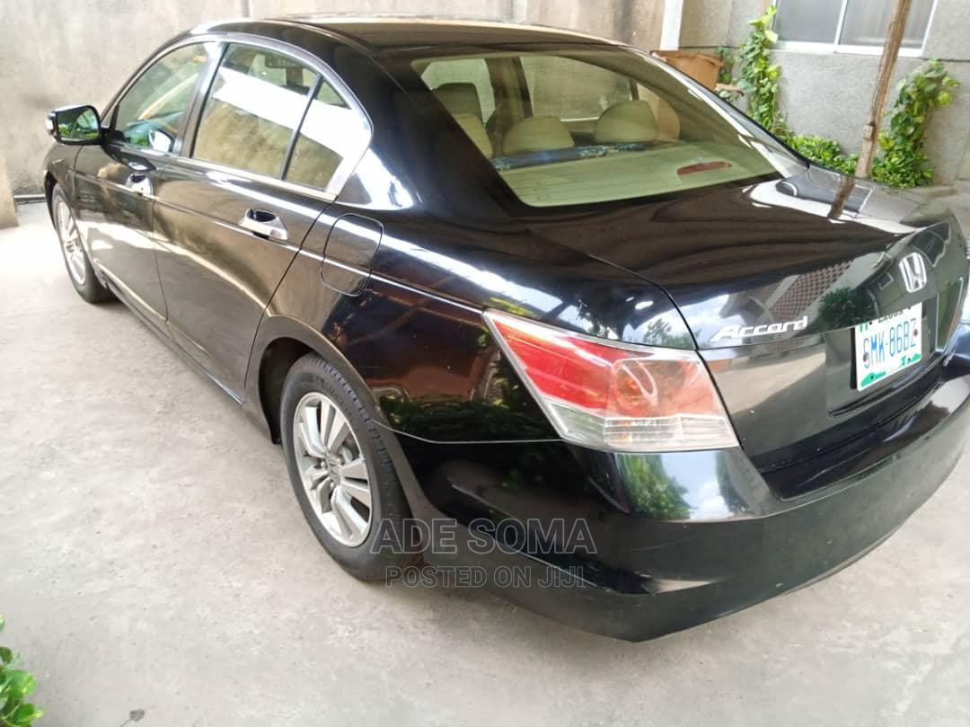 Archive: Honda Accord 2009 Black