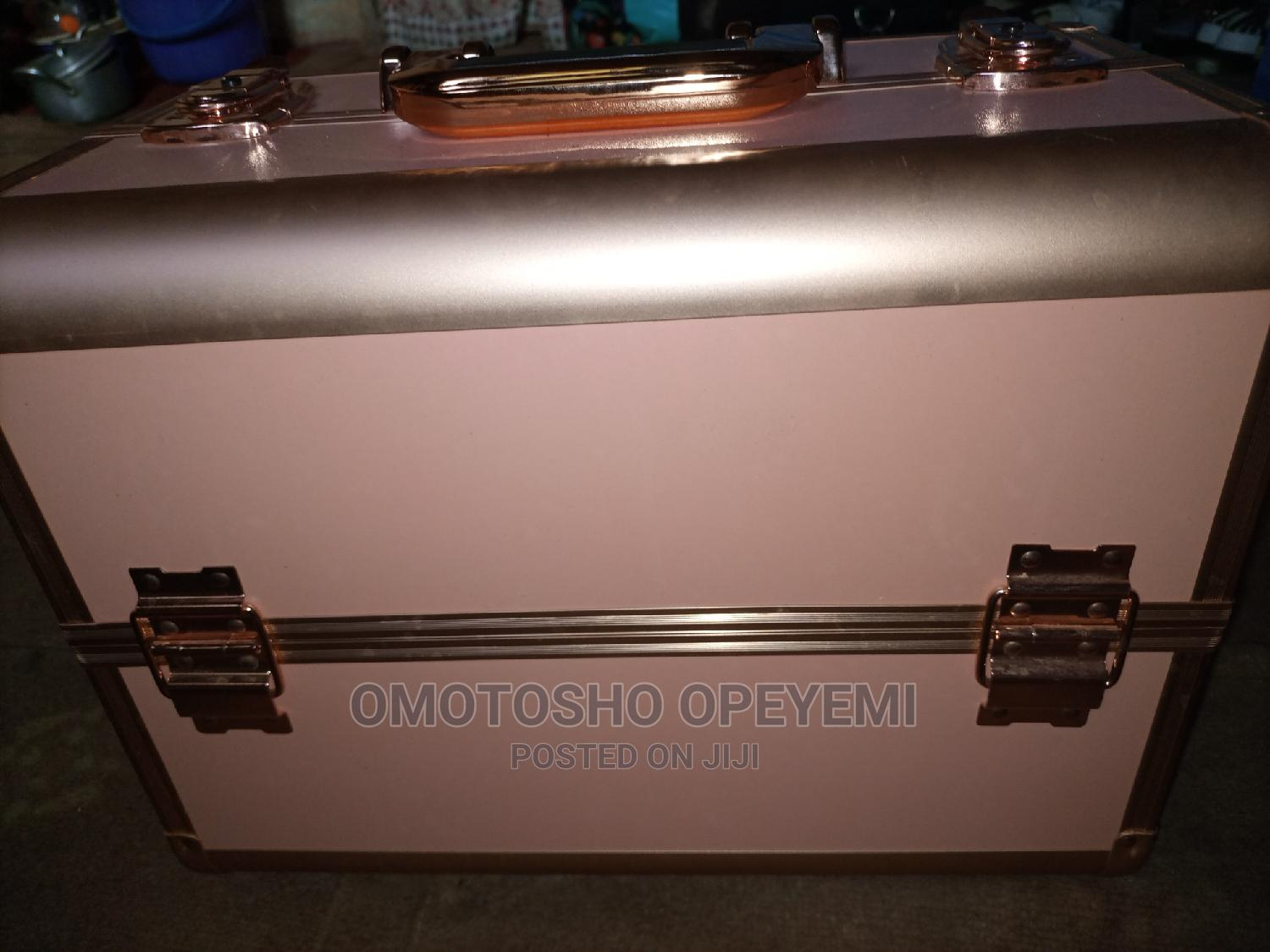 Fairly Used Makeup Box | Makeup for sale in Ibadan, Oyo State, Nigeria