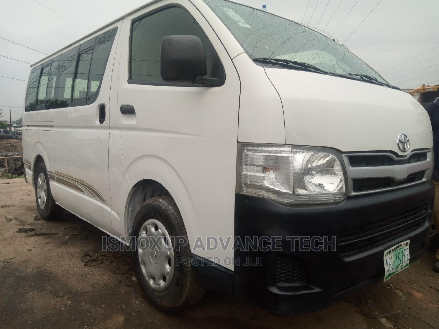 Archive: TOYOTA Hiace 2012 BUS