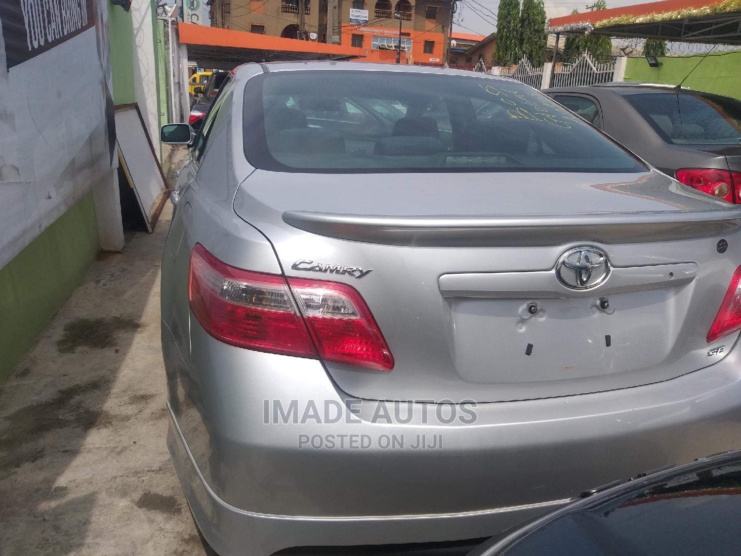 Archive: Toyota Camry 2008 2.4 SE White