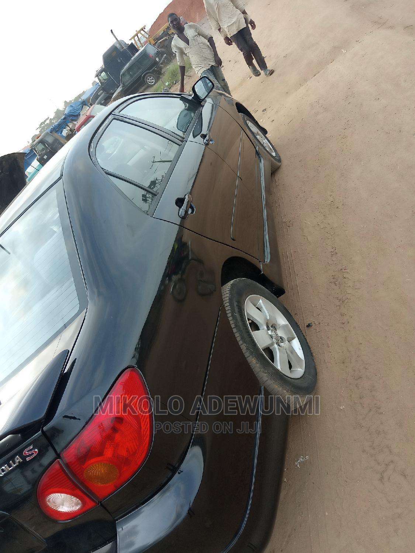 Archive: Toyota Corolla 2004 1.4 Black