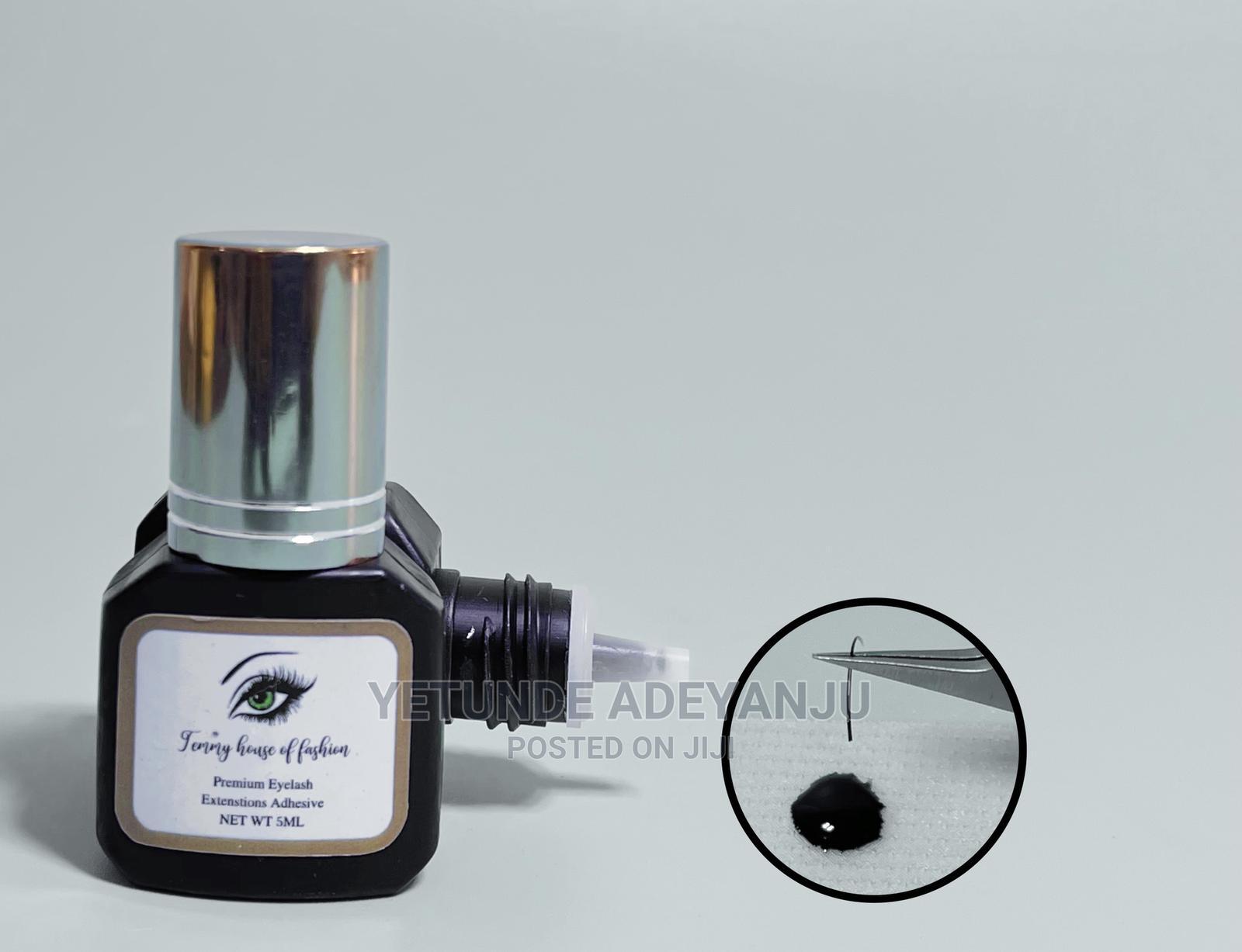 Lash Glue for Semi Permanent Lashes