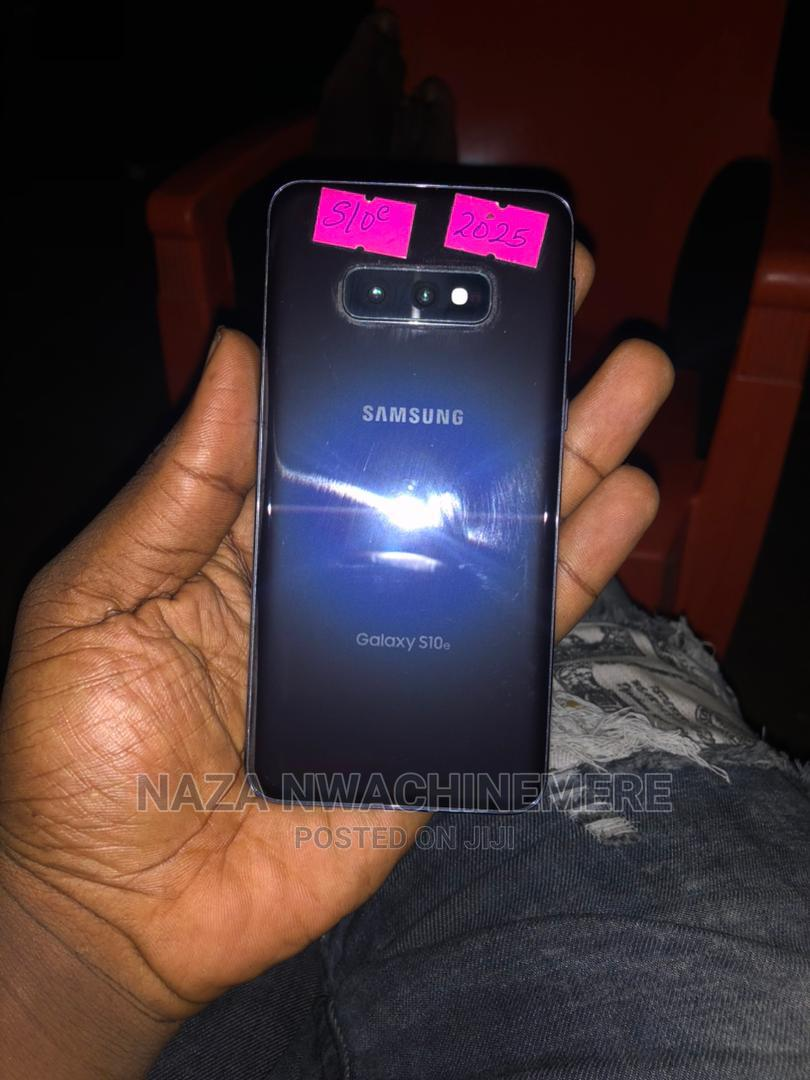 Samsung Galaxy S10e 128 GB Black   Mobile Phones for sale in Benin City, Edo State, Nigeria