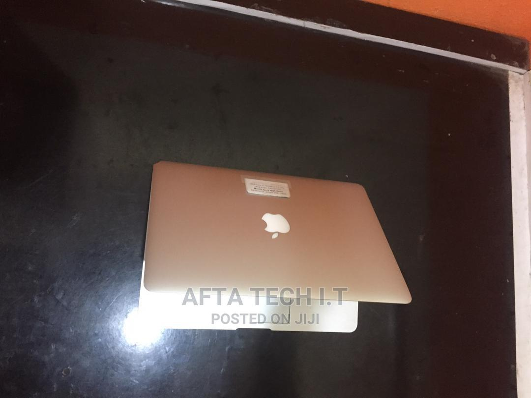 Archive: Laptop Apple MacBook Air 8GB Intel Core I5 SSD 128GB