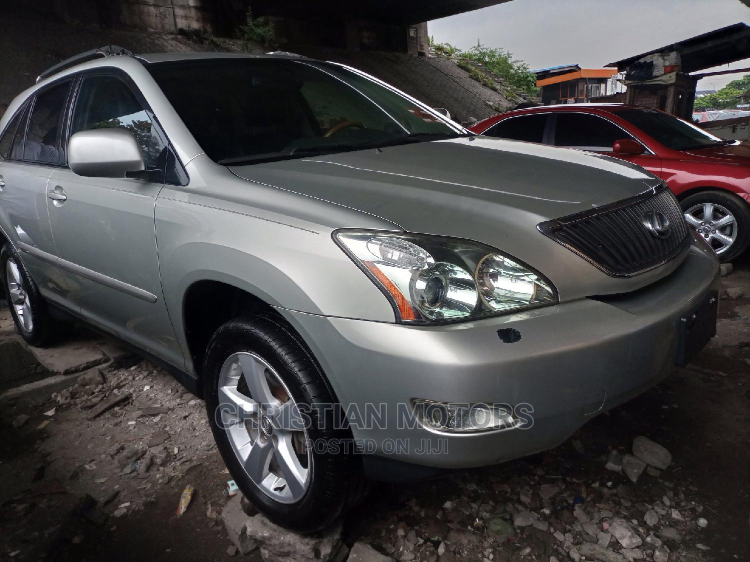 Lexus RX 2005 330 Silver | Cars for sale in Apapa, Lagos State, Nigeria