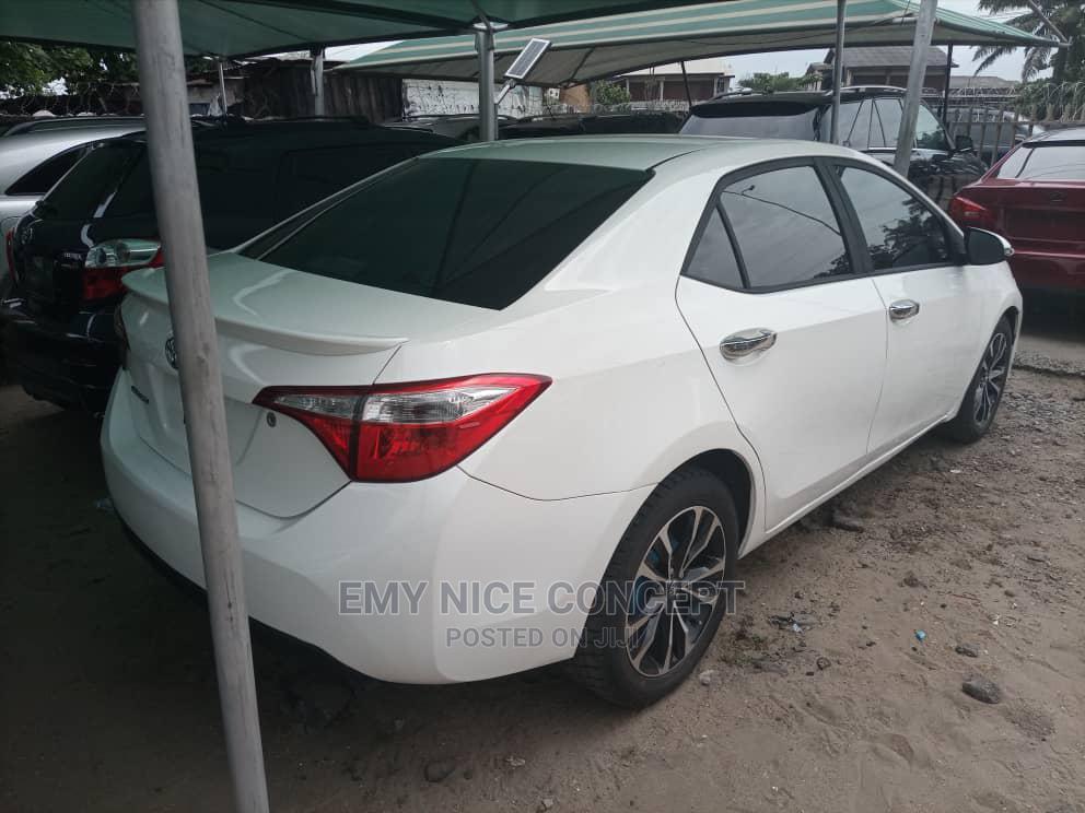 Toyota Corolla 2014 White | Cars for sale in Amuwo-Odofin, Lagos State, Nigeria