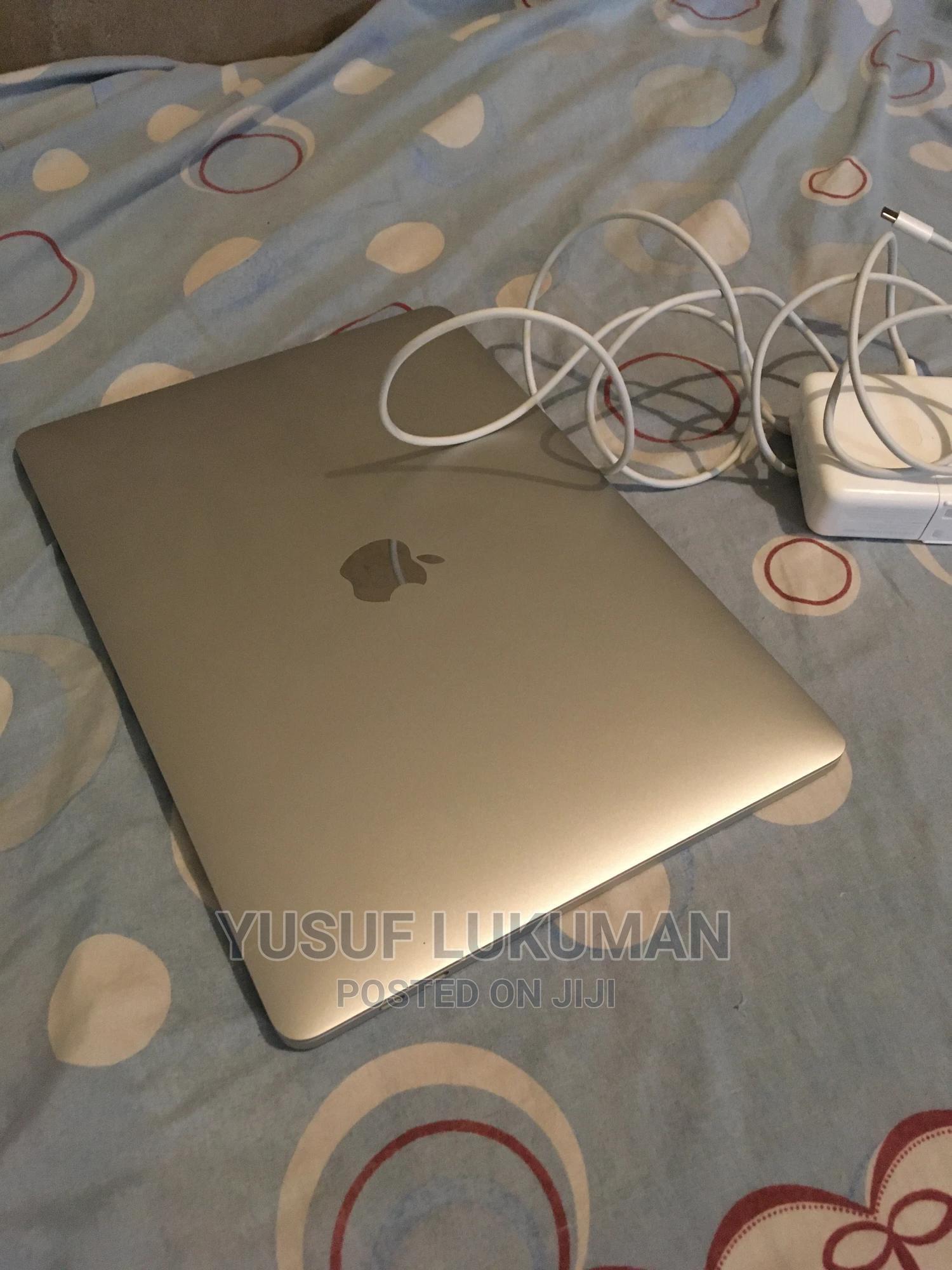 New Laptop Apple MacBook Pro 2019 8GB Intel Core I5 SSD 256GB