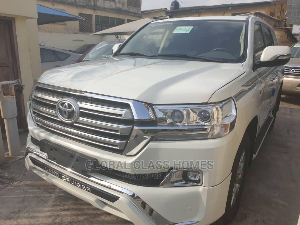 Toyota Land Cruiser 2017 5.7 V8 VXR White