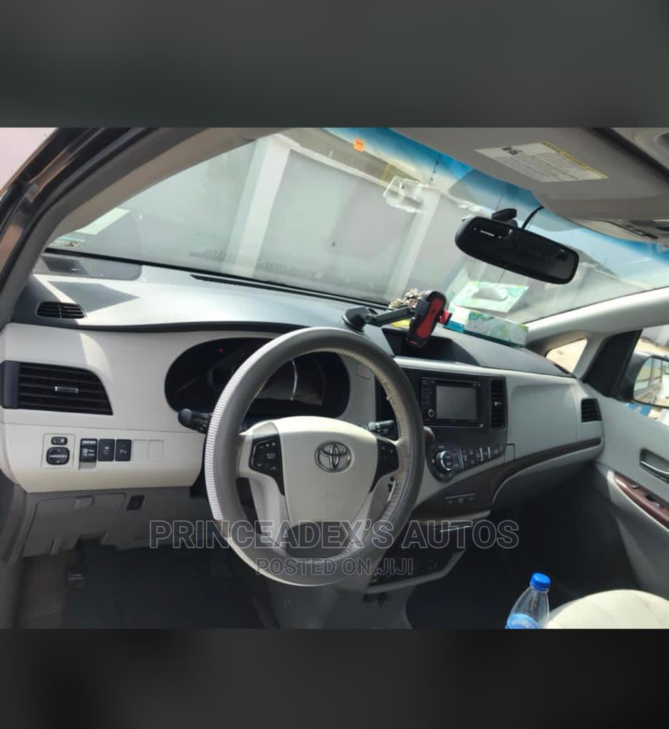 Toyota Sienna 2013 LE FWD 8-Passenger Gray | Cars for sale in Ibadan, Oyo State, Nigeria
