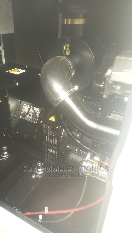 Original Perkins Soundproof Diesel Generator 150kva