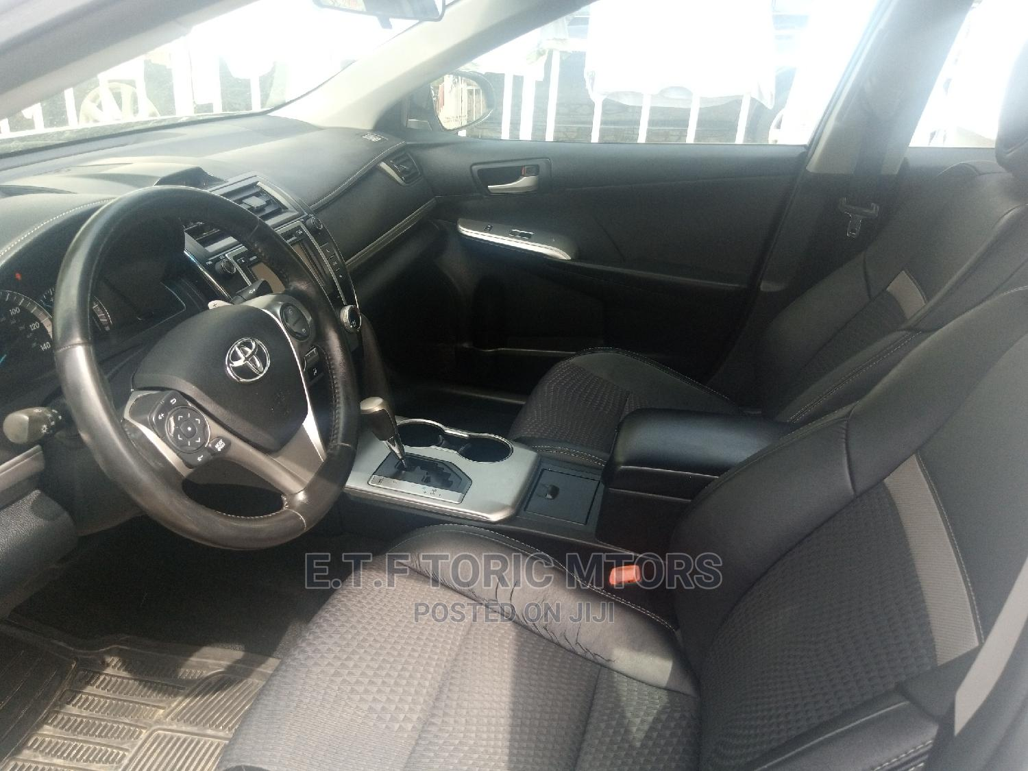 Toyota Camry 2013 Silver | Cars for sale in Garki 2, Abuja (FCT) State, Nigeria