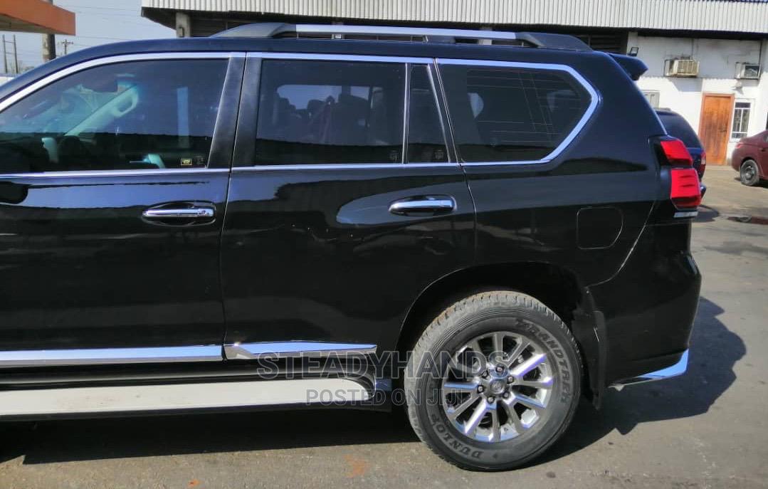 Toyota Land Cruiser Prado 2019 VXR Black | Cars for sale in Lekki, Lagos State, Nigeria