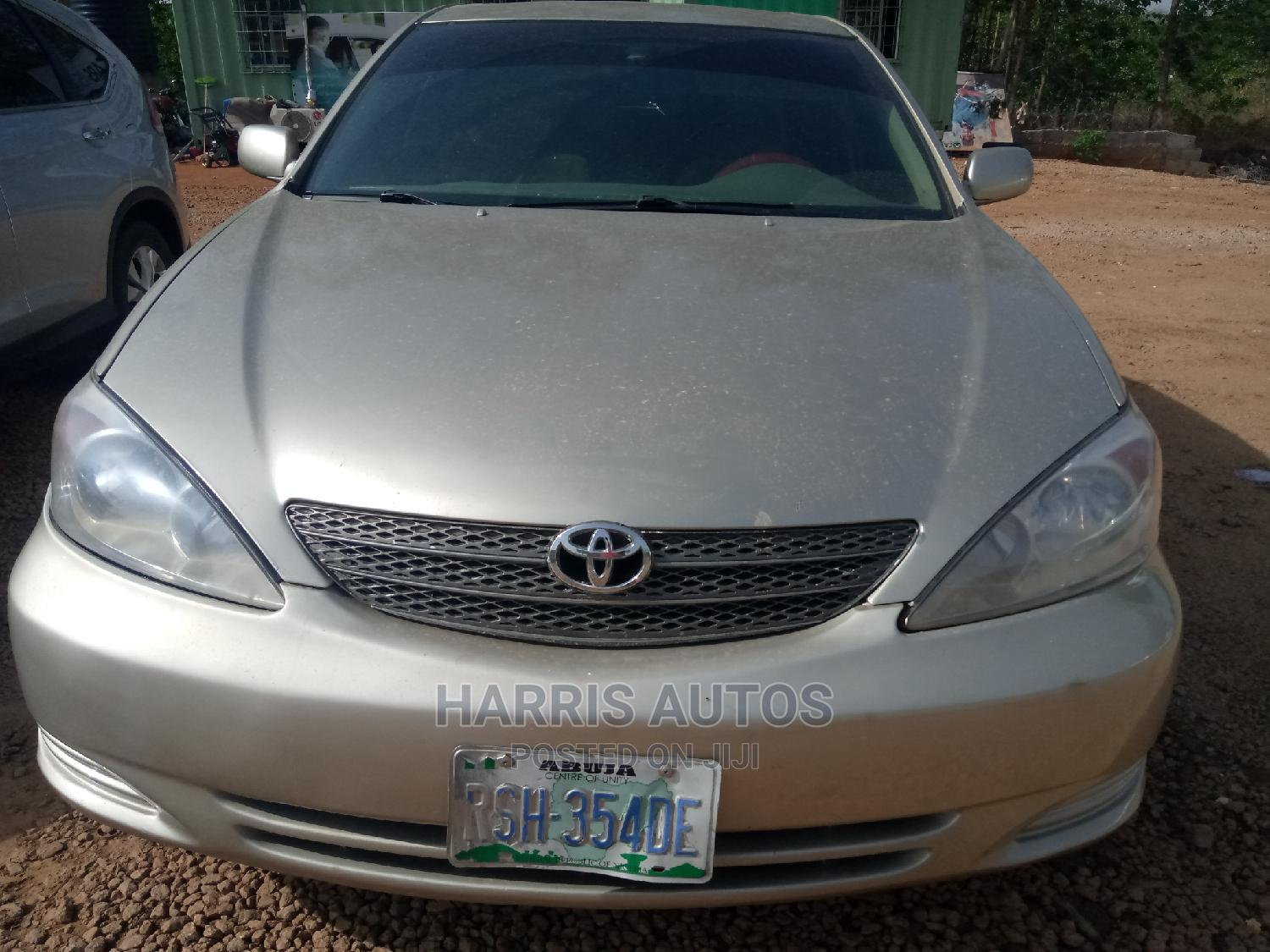 Archive: Toyota Camry 2001 Gold