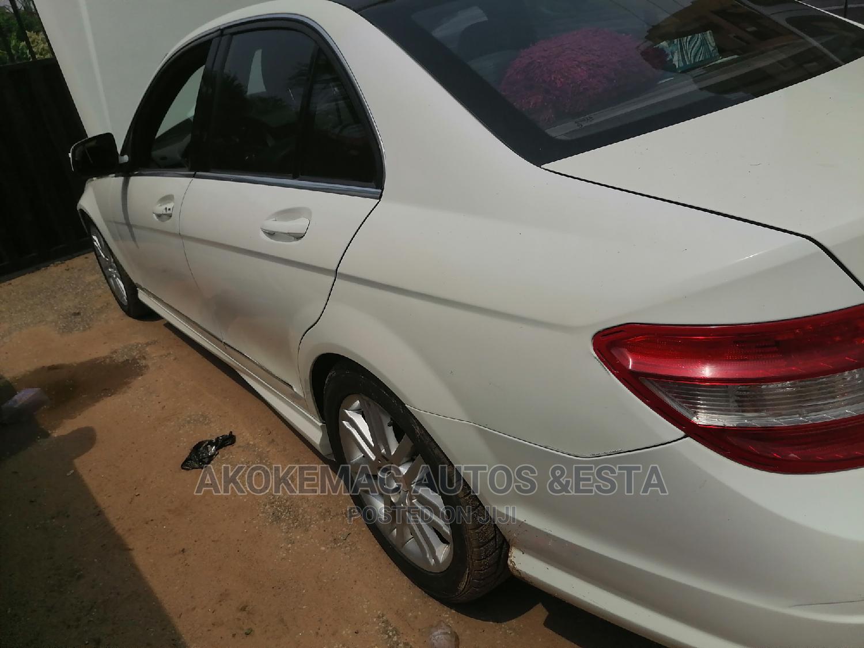 Archive: Mercedes-Benz C300 2009 White