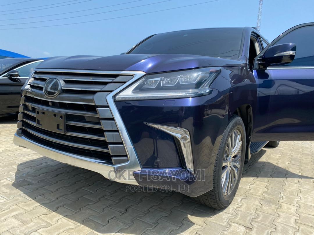 Lexus LX 2018 Blue