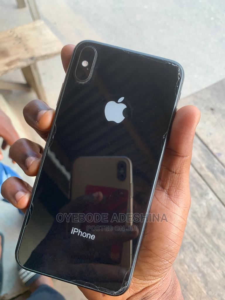 Apple iPhone XS Max 64 GB Black