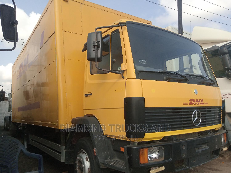 Mercedes Benz 1317 Container Body Truck