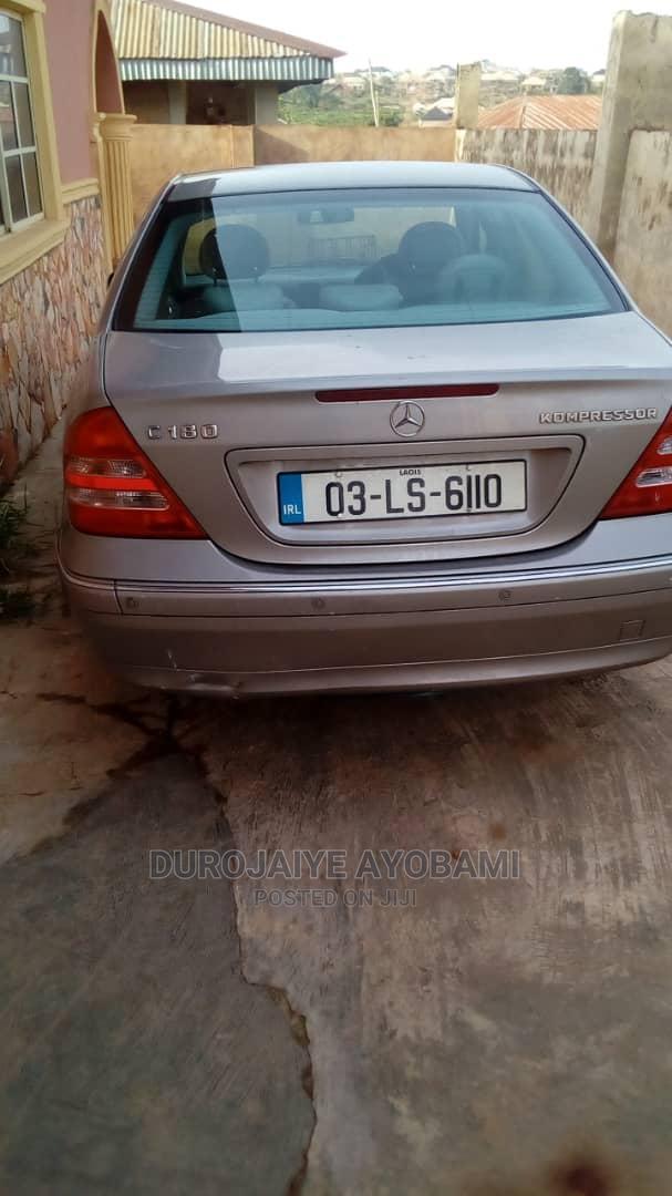 Mercedes-Benz C180 2021 Brown