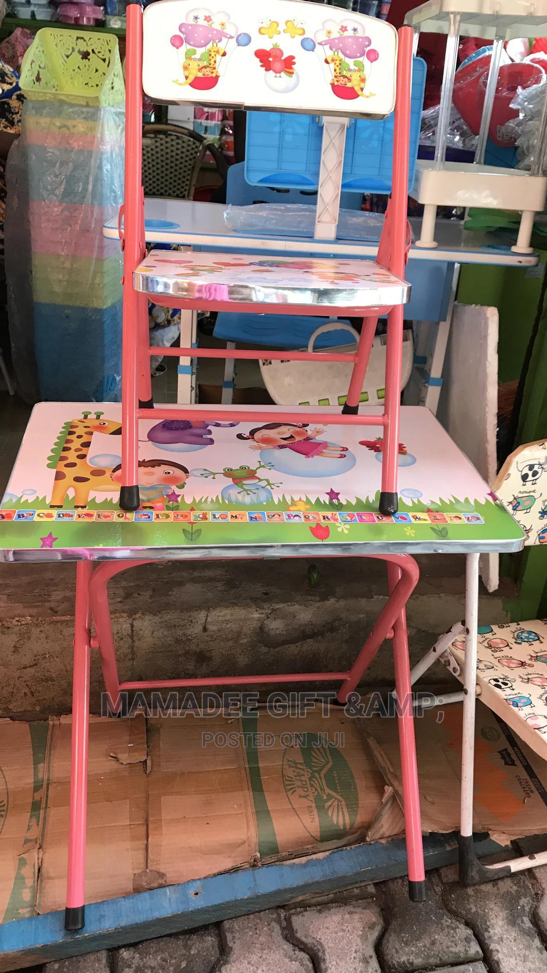 Character Single Chair N Table