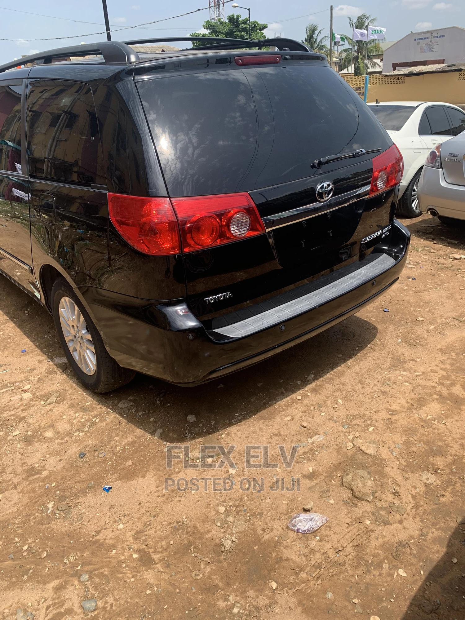 Toyota Sienna 2008 XLE Black | Cars for sale in Isolo, Lagos State, Nigeria