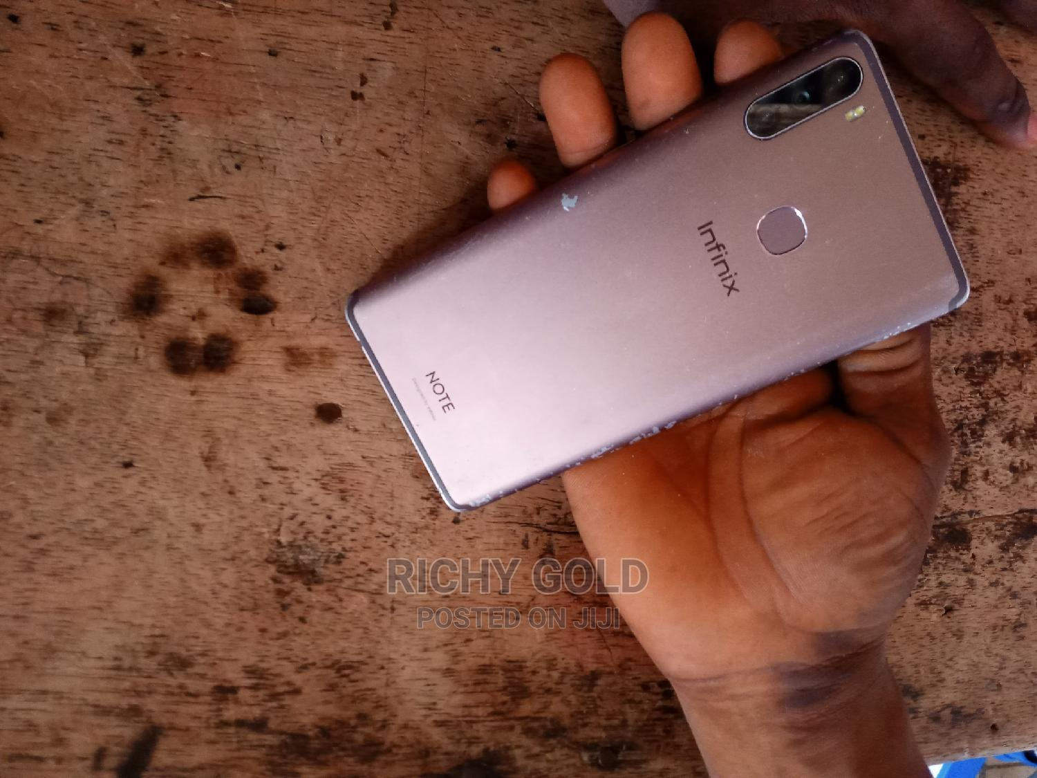 Archive: Infinix Note 6 64 GB Gold