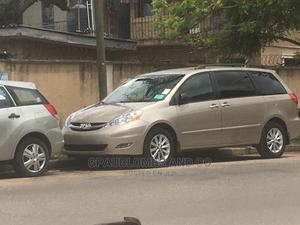 Toyota Sienna 2006 LE AWD Gold   Cars for sale in Lagos State, Amuwo-Odofin