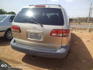 Toyota Sienna 2002 LE Gold | Cars for sale in Kaduna State, Kaduna / Kaduna State