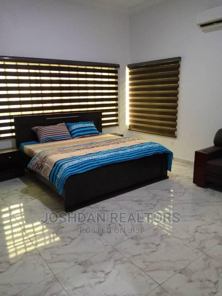 Archive: 2 Bedroom Short Let Apartment (JR0041)