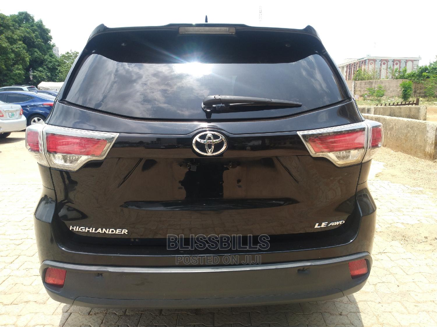 Toyota Highlander 2015 Black | Cars for sale in Central Business Dis, Abuja (FCT) State, Nigeria