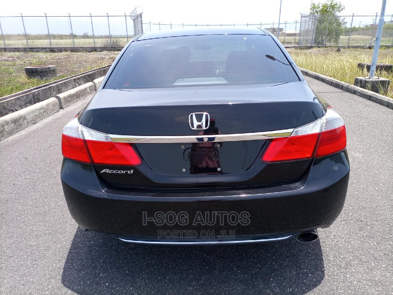 Archive: Honda Accord 2015 Black