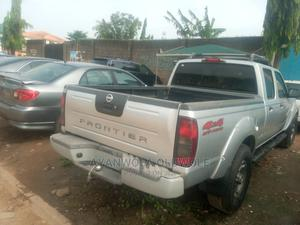 Nissan Frontier 2004 SVE V6 King Cab 4WD Silver | Cars for sale in Lagos State, Alimosho