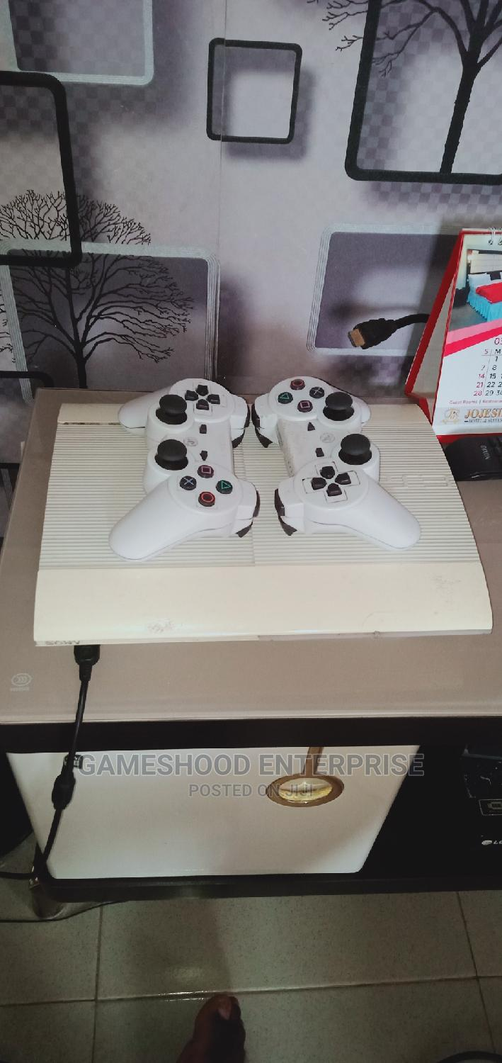 Hacked Ps3 Superslim Console +15games, a Pad Etc